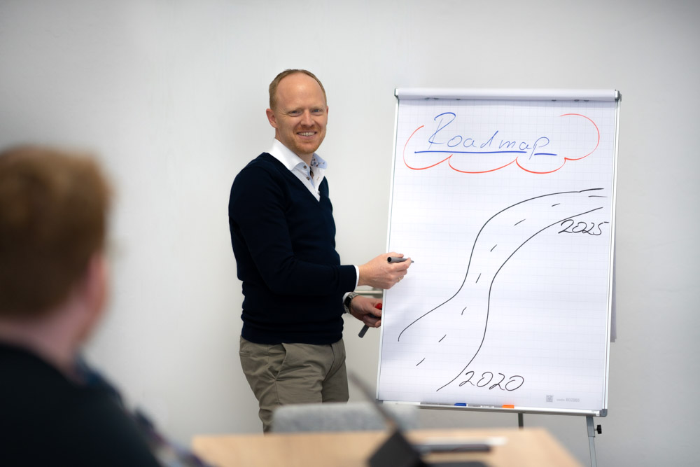 Rüdger Düchting bei der Moderation eines Workshops